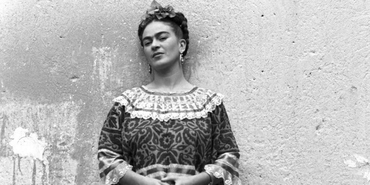 Frida Kahlo : Physically Disabled, But Genius Painter