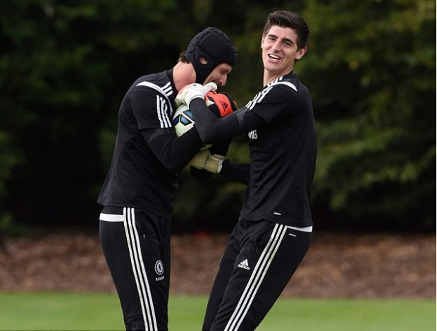Thibaut Courtois and Petr Cech during practice session