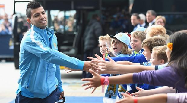Kun Aguero greets his kid fans at Etihad