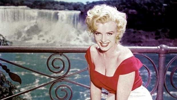 Marilyn Monroe on the Sets of Niagara
