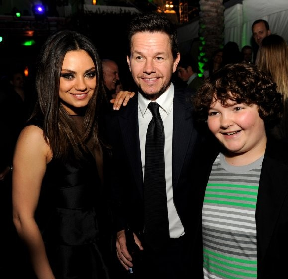 Mark Wahlberg, Mila Kunis and Aedin Mincks at event of Ted