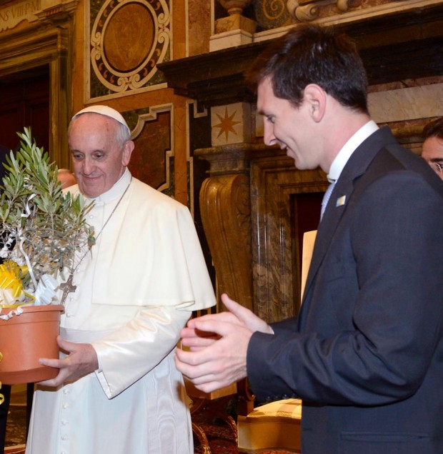 Lionel Messi with Pope Francis