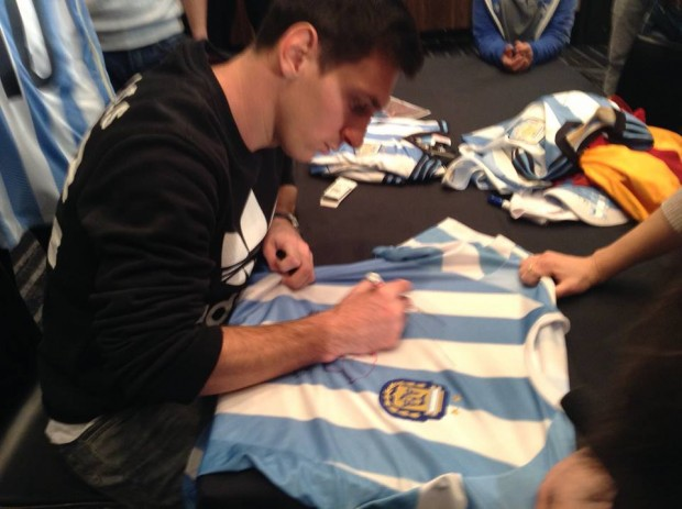 Messi signing on Argentina Jersey