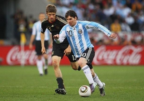 Muller Vs Messi