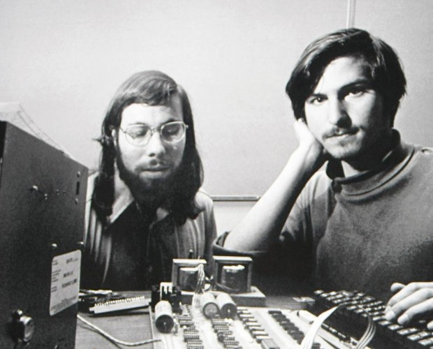Steve Jobs and Woznaik with Apple 1