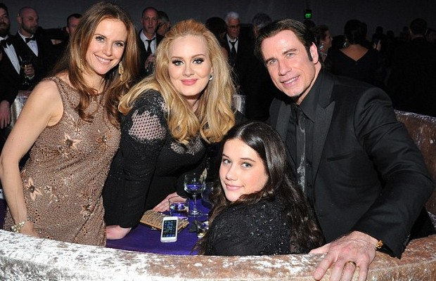 Adele Poses with John Travolta, Kelly Preston and their daughter