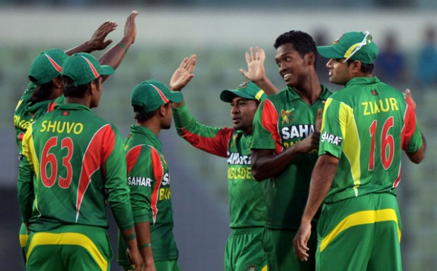 Al Amin Hossain With Team