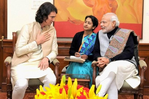 Adamn Neumann in conversation with Indian Prime Minister Narendra Modi