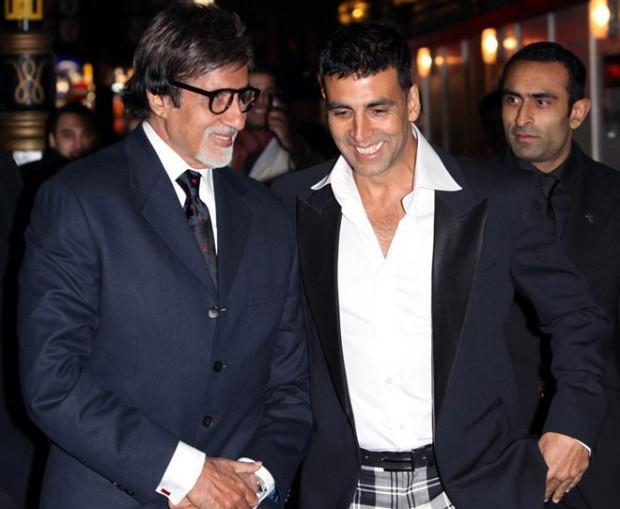 Akshay Kumar having a funny conversation with Amitabh Bachchan