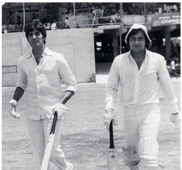 Amitabh and Vinod Khanna during a Cricket Match