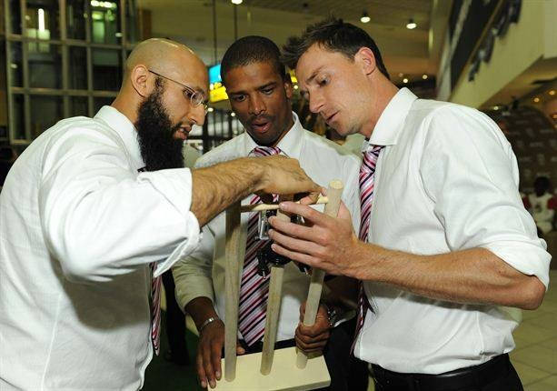 In a conversation with bowlers Steyn and Philander