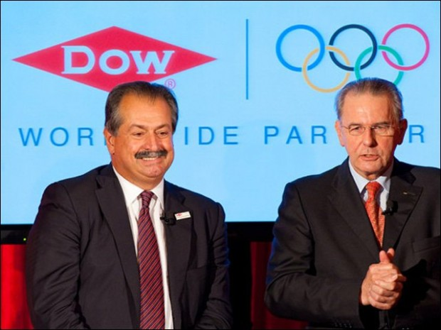 Andrew Liveris and International Olympic Committee President Dr Jacques Rogg