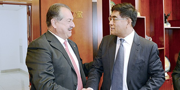 Andrew Liveris with Fu Chengyu