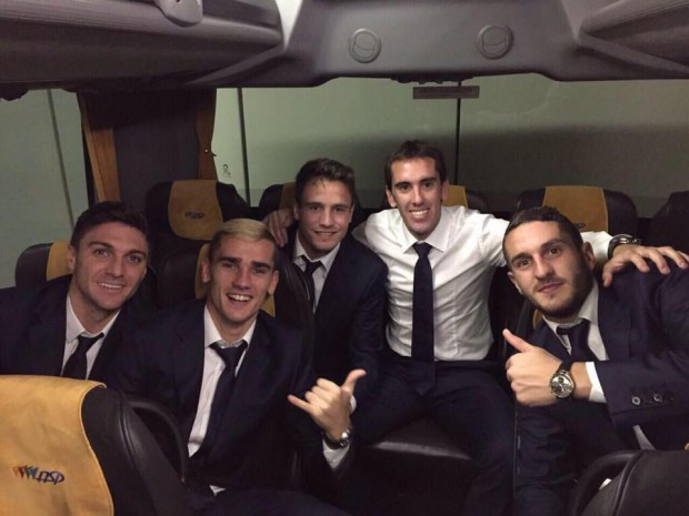 Antoine Griezmann with teammates