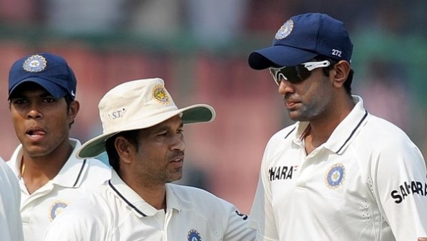 Sachin having a conversation with Ashwin