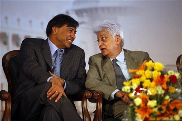 Azim Premji having a little chat with Lakshmi Mittal