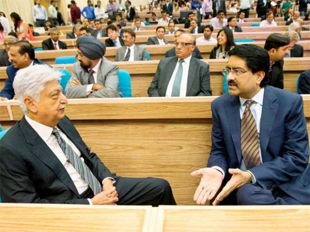 Azim Premji having a conversation with Kumar Mangalam Birla