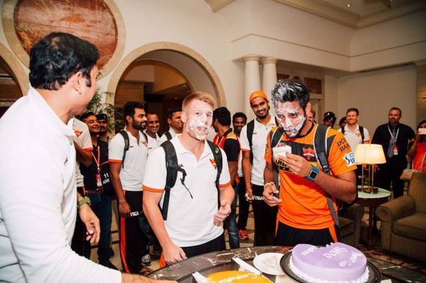 SRH team celebrations for Bhuvi holding purple cap