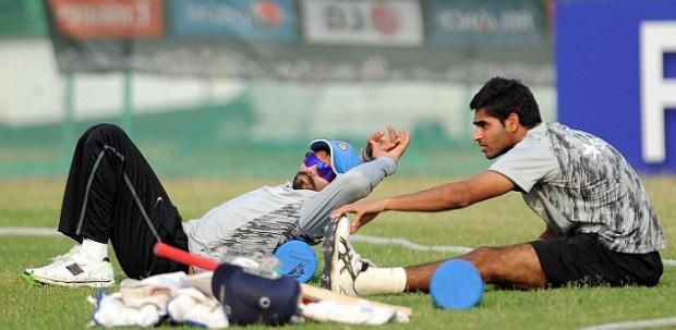Bhuvneshawr and Ravindra Jadeja during practice session