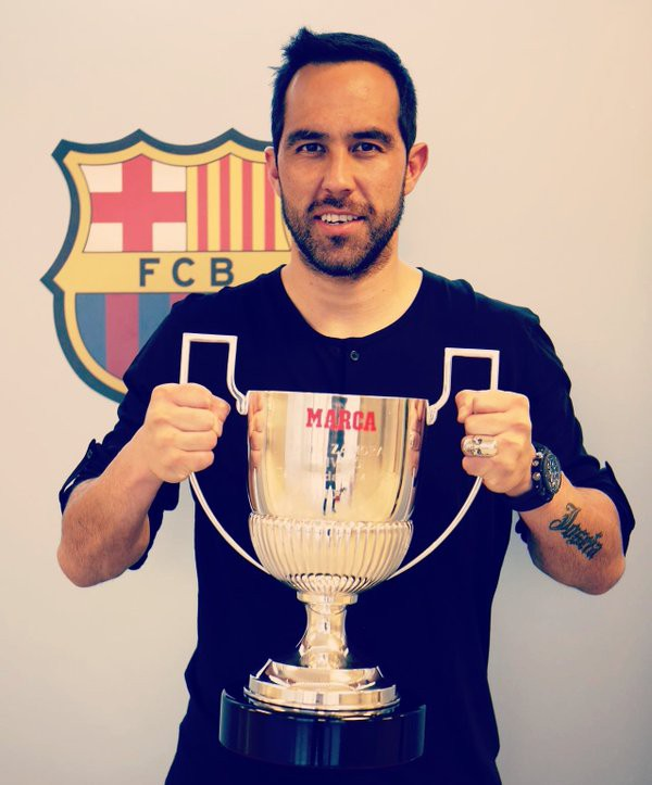 Claudio with Marca Trophy