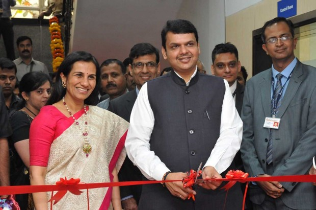 Chanda Kochhar With CM of Maharashtra, Devendra Fadnavis