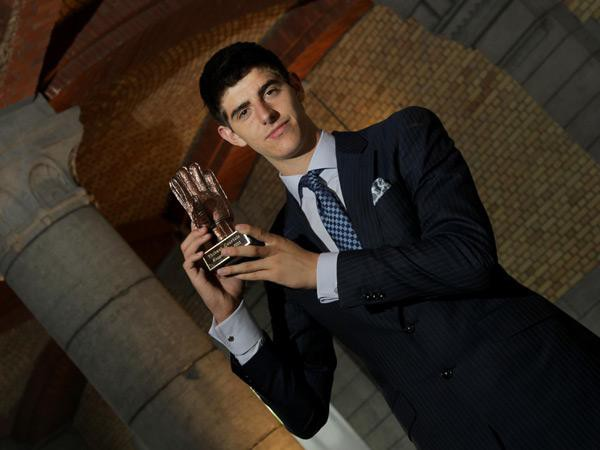 Thibaut Courtois with Laliga Best Goal Keeper Award