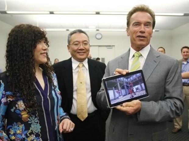 Weili Dai With Arnold Schwarzenegger