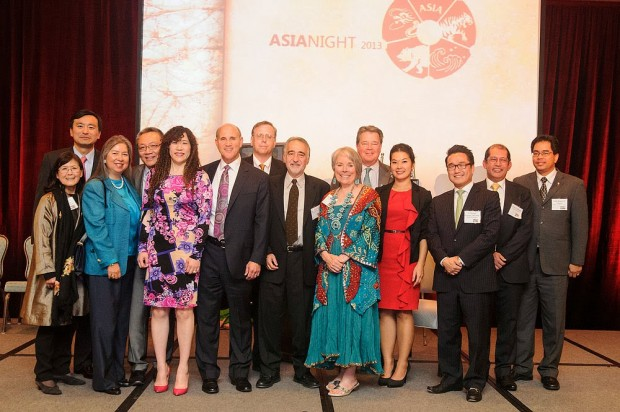 Weili Dai Receives New Silk Road Award at AsiaNight