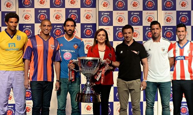Del Piero and Nita Ambani with ISL Trophy