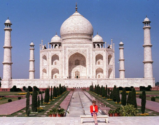 Princess Diana at Taj Mahal