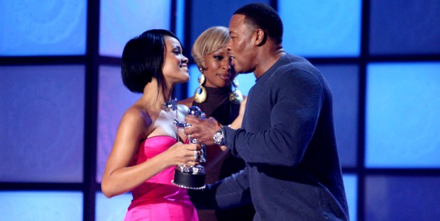 Rihanna Receiving Award From Dr. Dre
