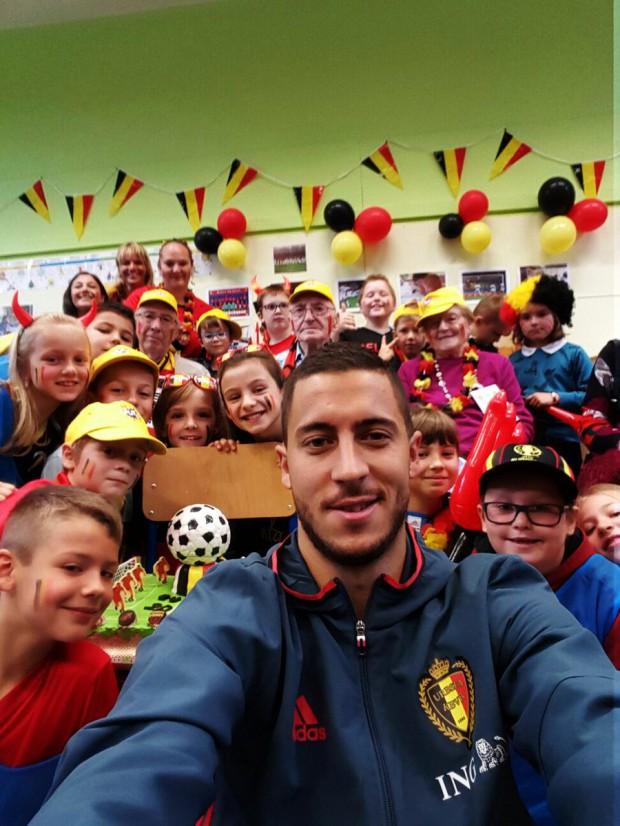 Eden Hazard in a school for charity