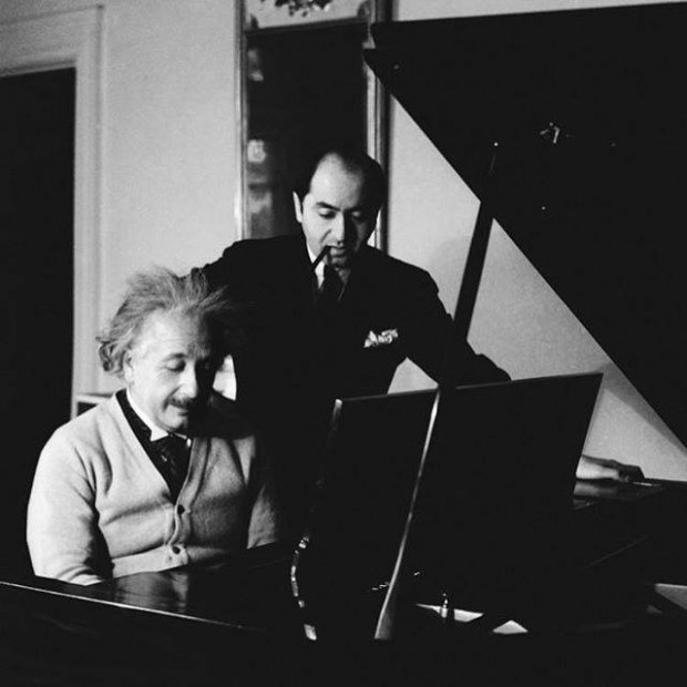 Einstein playing piano
