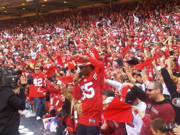 Future performing at the SF 49ers playoff game