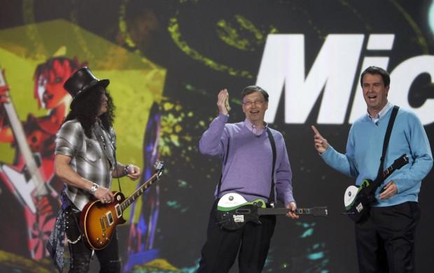 Microsoft's Bill Gates, Robbie Bach play guitar with Slash at CES keynote address