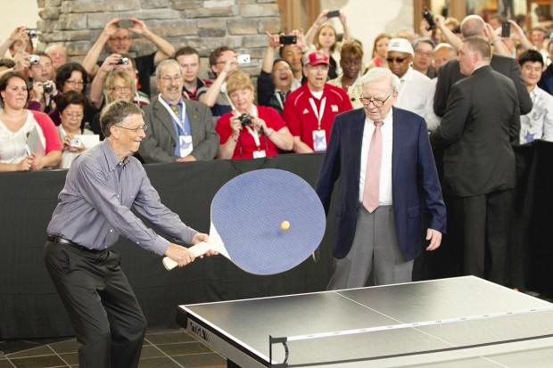 Bill Gates and Warren Buffett playing