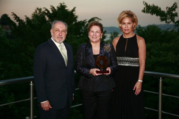 "Güler Sabanc? was awarded the ""Raymond Georis Prize"""