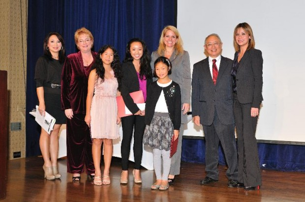 Gwynne Shotwell With Denise Dador, Pamela Leestma, Tiffany Chan, Bernadette Lim, Annabelle Kim,Ron Chong and Ling-Ling