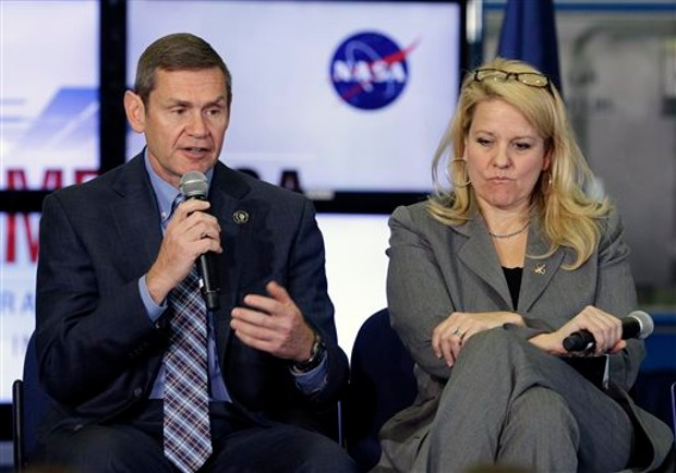 Gwynne Shotwell With Boeing's vice president and general manager John Elbon