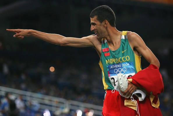 Hicham El Guerrouj celebrating his victory