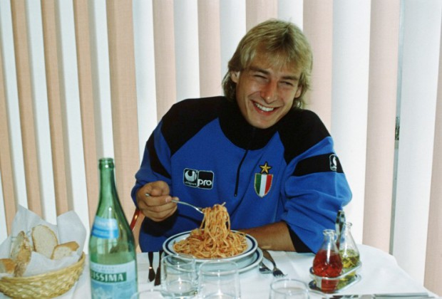 Jurgen Klinsmann eating his favourite food spaghetti pomodoro