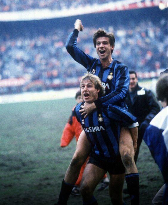Jürgen Klinsmann lift Nicola Berti