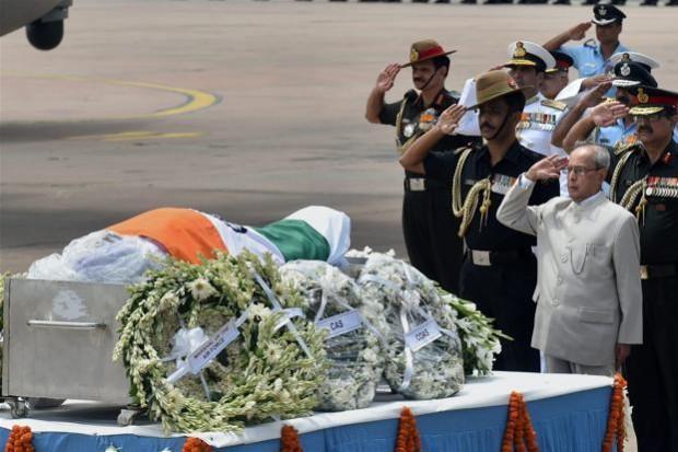 President Pranab Mukherjee paying his last respect to former president APJ Abdul Kalam