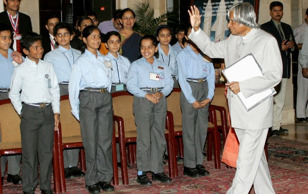 Abdul Kalam with Students