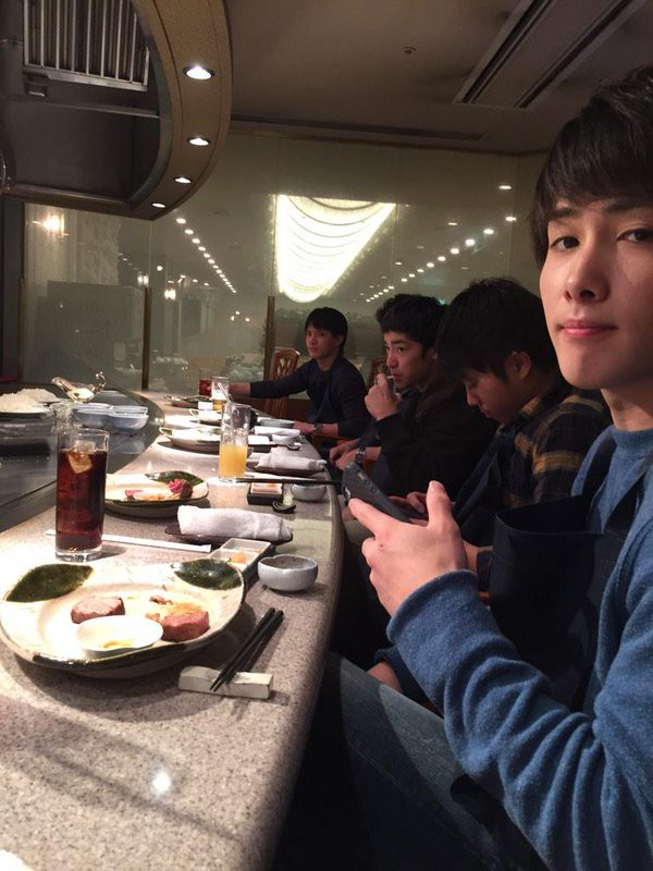Kohei dinner with teammates