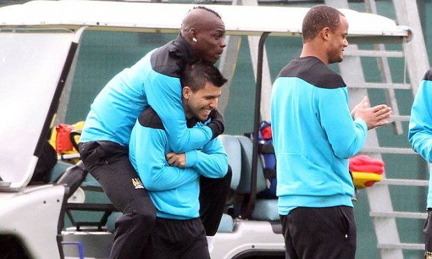 Kun Aguero lifts Mario Balotelli