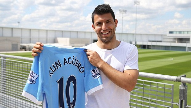 Sergio Aguero with his 10 Number Jersey of Manchester City