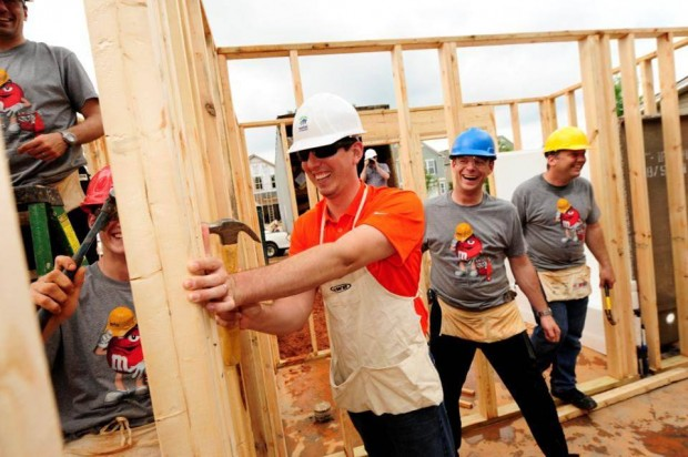 Kyle and the M&M's Team help build a home in Charlotte with Habitat for Humanity