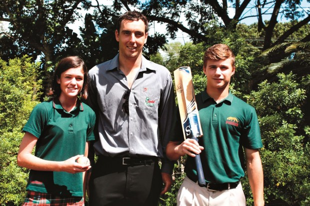 Kyle Abbott with Felixton College first team girls' and boys' cricket captains Hannah Bevis