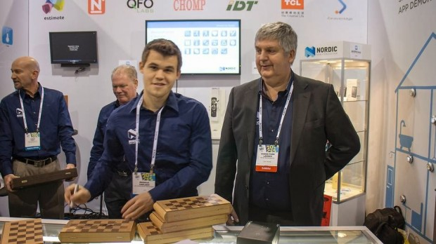 Carlsen signing autographs at CES in Las Vegas